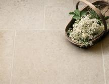 Light Jerusalem Tumbled Limestone Tiles thumb 1