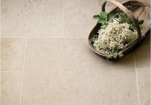 Light Jerusalem Tumbled Limestone Tiles