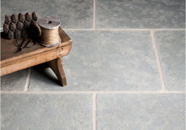 Tumbled Antiqued Ash Limestone Tiles